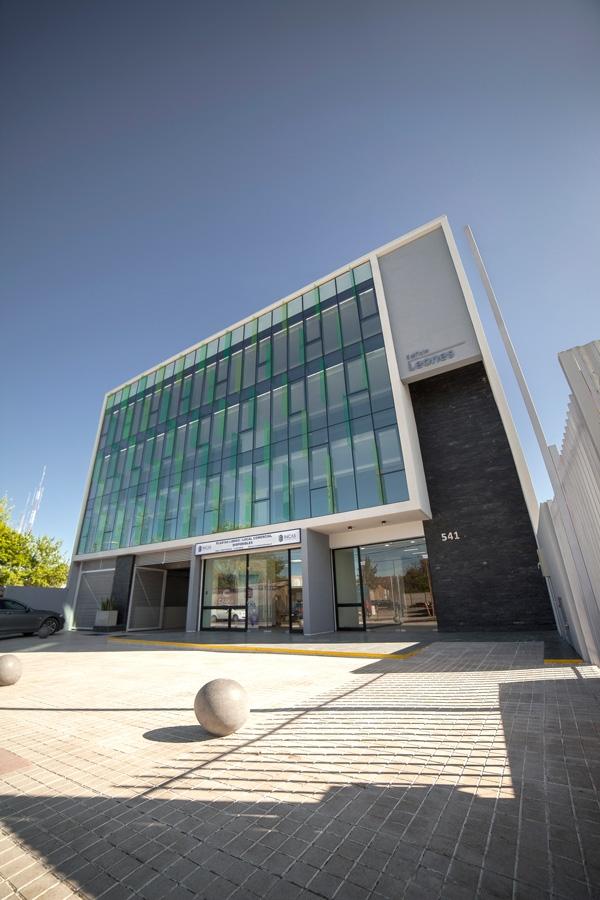 NosMagazine-Edificio-sustentable-Casaa- (1)